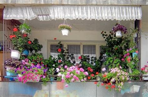 11 Small Apartment Balcony Ideas With Pictures Balcony Garden Ideas For Small Balconies