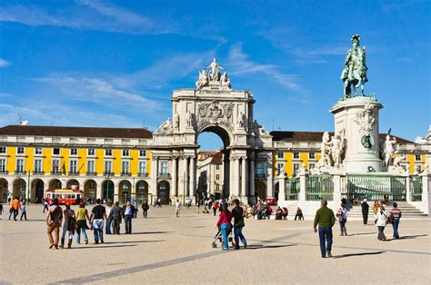 lisbon the best of lisbon for stay travel books top 10 places to visit in portugal the world we go