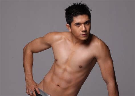 Coco Martin Bench Post And Rate The Fantasy Guys 1 10 Based On Hawtness