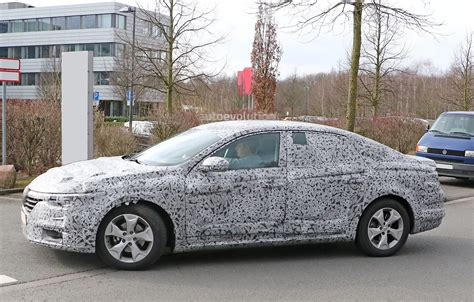 renault sedan 2016 all new renault laguna flagship sedan spied for the first