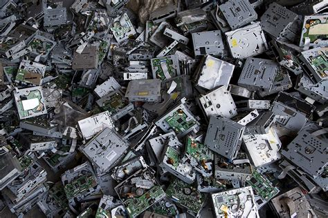 children electronic waste china guiyu waste dump the chinese tip where your old mobile