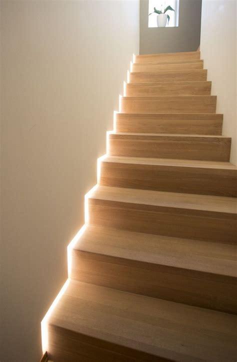 illuminazione striscia led illuminare con le strisce a led una casa in stile moderno