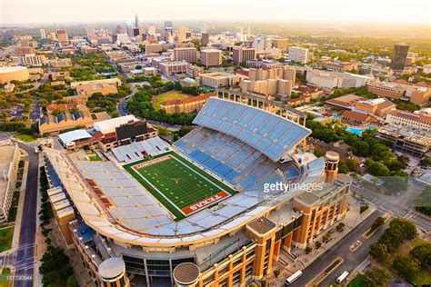 Ut Mba Class Size by Of Longhorns Football Stadium