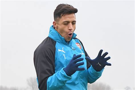 alexis sanchez youth arsenal news alexis sanchez to manchester united star