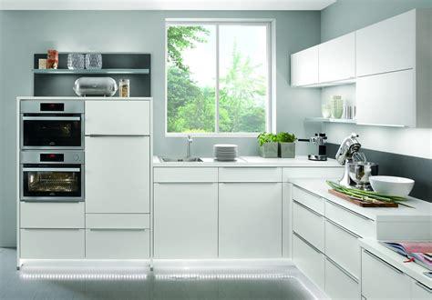 wohnzimmerschrank lila wei 223 led - Weiße Küche Countertops