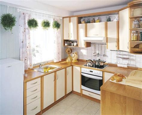 Small Kitchen Decorating Ideas Colors 25 Space Saving Small Kitchens And Color Design Ideas For