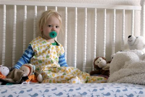 when to transition from crib to toddler bed from crib to toddler bed making a smooth transition