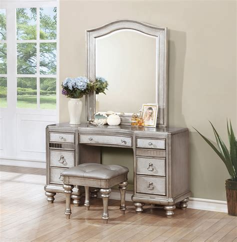 Lighted Makeup Vanity Table Bling Game Collection 204181 Bedroom Set