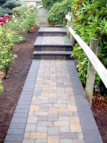 walkway ideas 25 best ideas about paver walkway on pinterest backyard pavers front sidewalk ideas and walkway