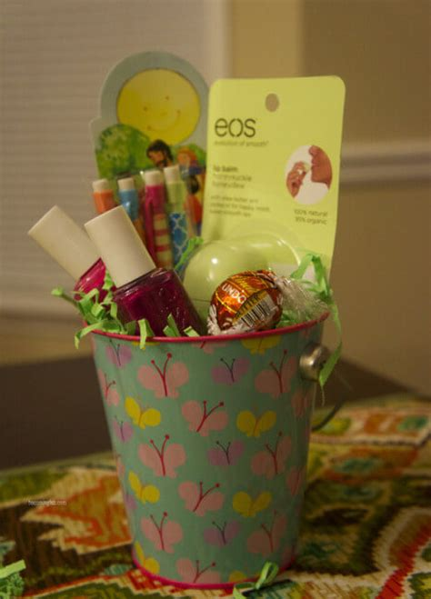 easter gift ideas 10 easter basket ideas for teens and tweens momof6