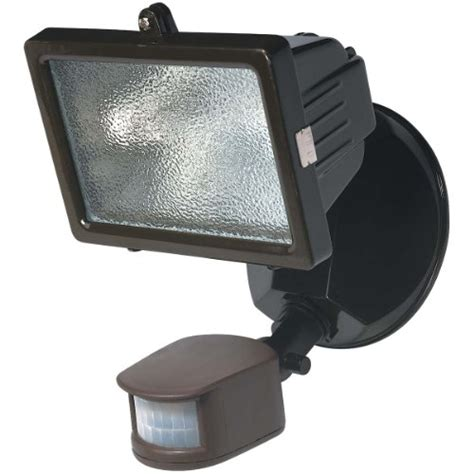 Outdoor Halogen Lights How To Replace Your Garage Flood Light With A New Halogen Light Garage Lights