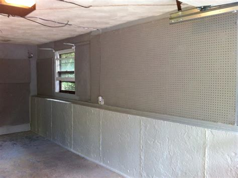 Drylok Basement Walls by Waterproofing And Painting Your Garage The Home Depot