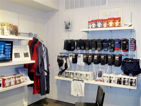 Man online underwear store