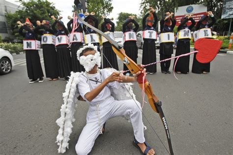 s day indonesia officials clerics ban s day