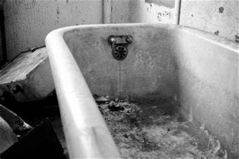 black stains in bathtub how to remove rust stains on your bathtubdiy guides
