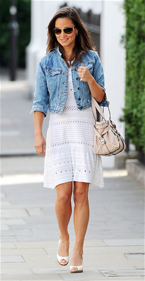 Ako Jaket Denim Blue 11 0219 pippa middleton in a crochet white dress with a cropped