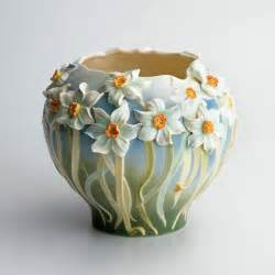 pottery flower vases daffodil vase ideas for my home