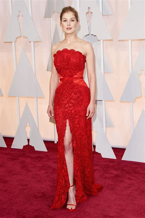 Oscars Carpet by Rosamund Pike 2015 Oscars Carpet In