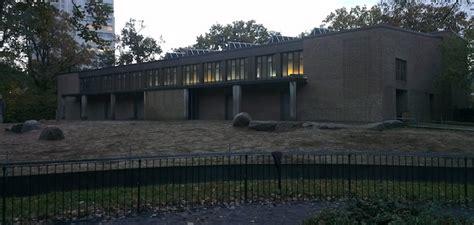 Zoologischer Garten Nach Brandenburger Tor by Kr342 Refugee C K 252 Chenradio
