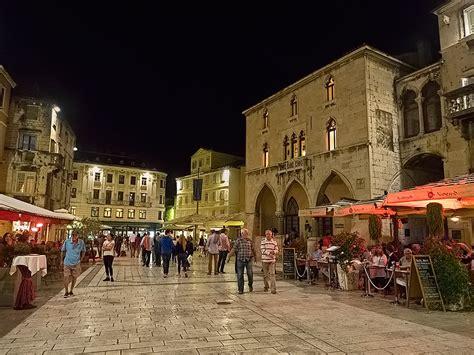 PHOTO: Narodni Trg (People's Square), in Split, Croatia