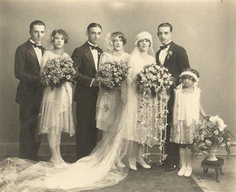 imagenes vintage wedding 50 fascinating vintage wedding photos from the roaring 20s