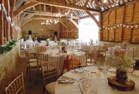 Wedding Venues Oxfordshire   Manor Farm Barn, Bicester