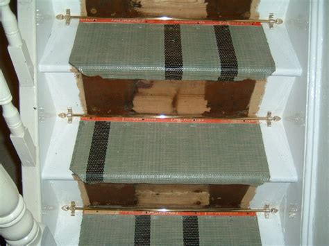 Which Carpet Underlay For Stairs - fitting a stair runner with stair rods