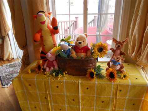 Winnie The Pooh Baby Shower Decorations For A Boy by How To Use Winnie The Pooh Theme On Your Baby Shower