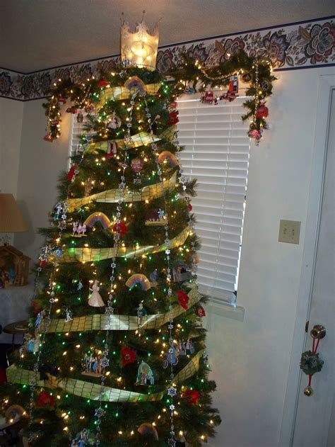 reason for christmas trees 68 best images about wizard of oz tree on trees emerald city and
