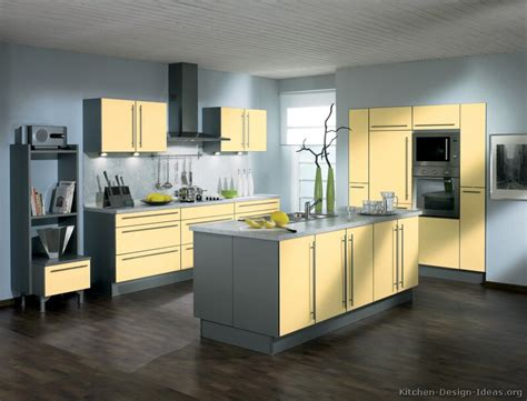 Gray And Yellow Kitchen Ideas Kitchen Design Pictures Of Modern Yellow Kitchens Kitchen Cabinets Modern Two Tone 169 A062a