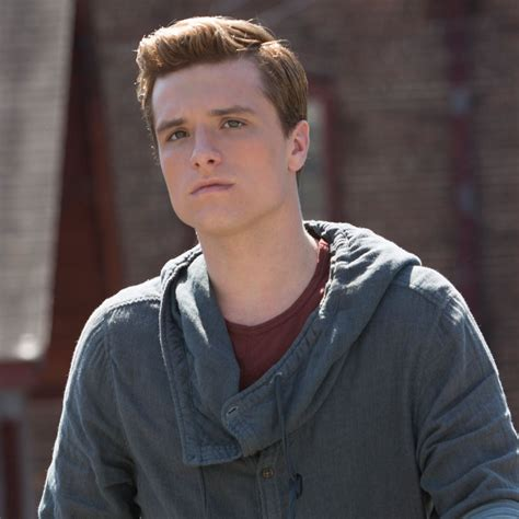 peeta mellark the hunger games wallpaper 39139863 fanpop