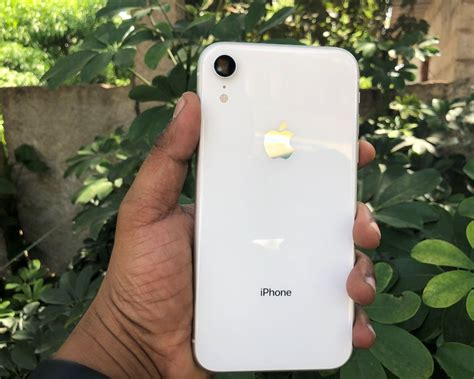 iphone xr review apples    money mobile