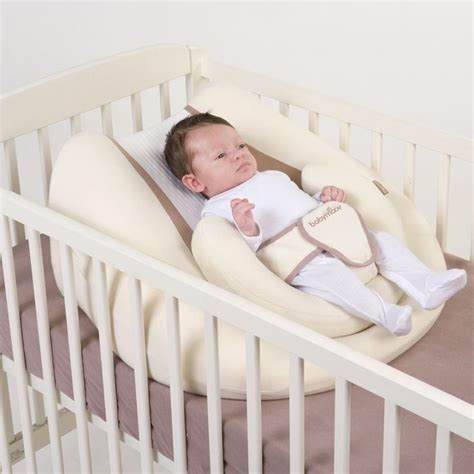 Baby Sleeps On Side In Crib 1000 Ideas About Baby Sleep Wedge On Baby Safety 5 Month Baby And Sleeping