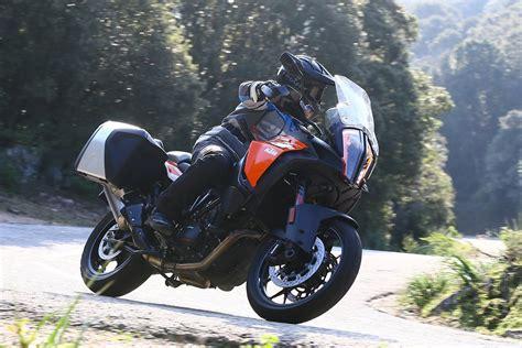 ktm  super adventure  motosiklet inceleme ktm modelleri