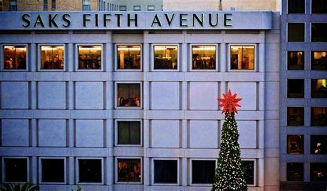 Saks Fifth Avenues One Day Of Savings the saks fifth avenue club experience xperience days