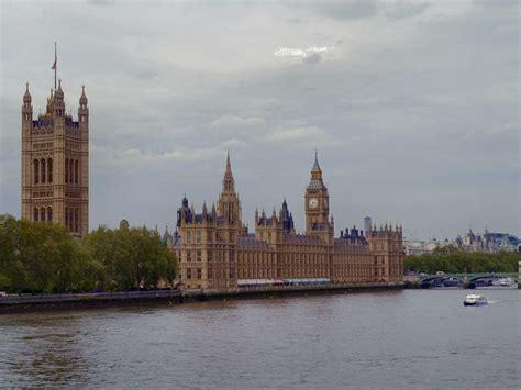 government   united kingdom employee benefits
