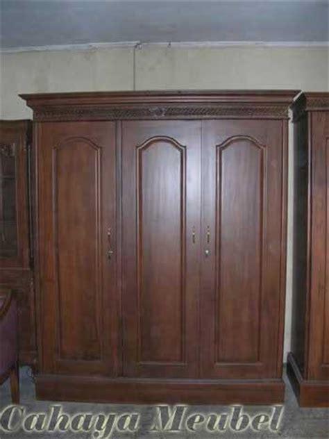 Lemari Kayu Jati Tiga Pintu toko lemari pakaian minimalis 3 pintu jati jepara lemari