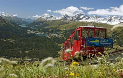 treno a cremagliera svizzera treno a cremagliera con vista laghi foto engadina st
