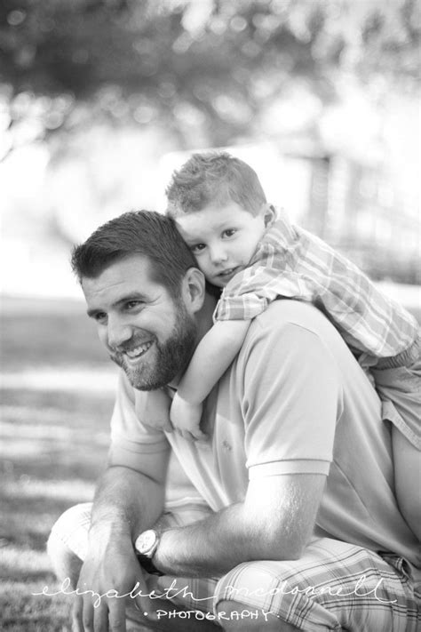 Pin by Animoto on Father's Day | Family picture poses