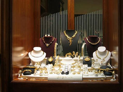 window display for jewellery shop c艫utare