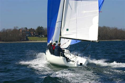J/70 ? Murray Yacht Sales