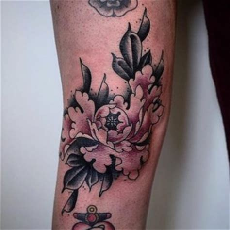 tattoo pain knee knee tattoos best tattoo ideas gallery