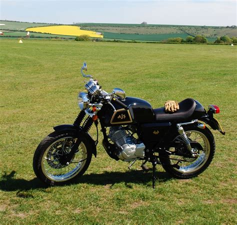 Motorrad 125 Retro by Ajs Cadwell Ein Schickes 125er Retro Bike Spothits