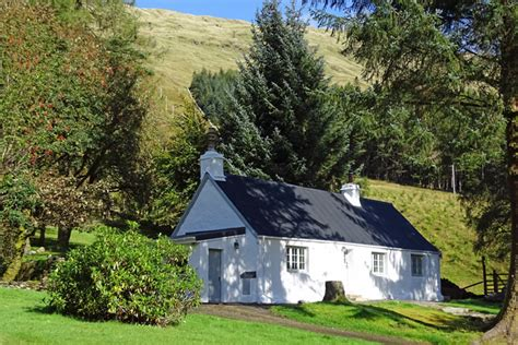 arrivain cottage tyndrum loch lomond the trossachs