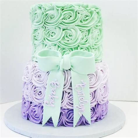 Lavender And Green Baby Shower by 1000 Ideas About Mint Green Cakes On Pretty
