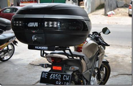Breket Kucay Box Vixion by Braket Box Kucay Lung Untuk Yamaha New Vixion Lightning