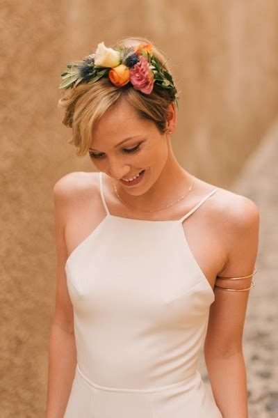 Wedding Hairstyles For Pixie Hair by The Pixie And Floral Crown And Sweet Bridal
