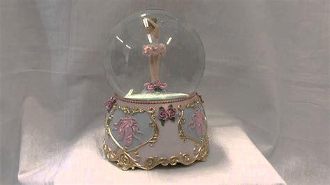 balmwg 004 turning ballerina musical snow globe plays serenade by shubert musical ballerina water globe