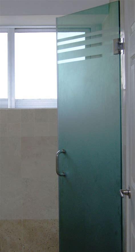 cristal templado en puerta de regadera y puerta de pvc con aglomerado puerta abatible para ba 241 o templado 9mm esmerilada con