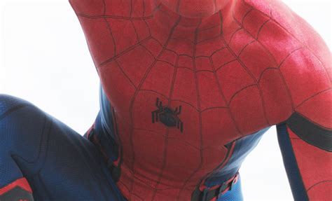 civil war spiderman spider man suit logo revealed in captain america civil war collider